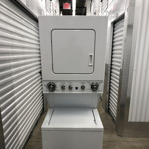 """Lavadora Y Secadora Kenmore Stakable De 24"""" Eléctrica for Sale in The Bronx, NY"""