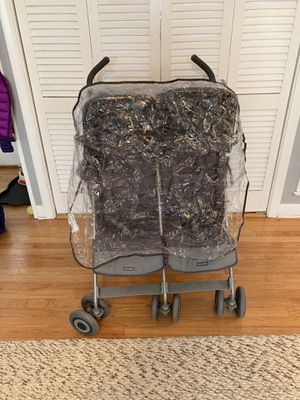 Maclaren double umbrella stroller for Sale in Wethersfield, CT