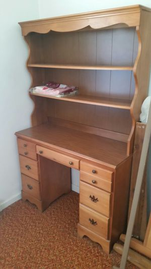 Twin bedroom set, maple for Sale in Salem, VA