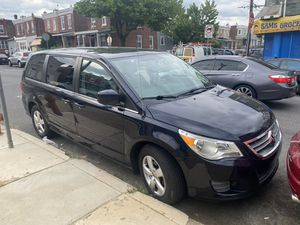 2010 Volkswagen Routan for Sale in Philadelphia, PA