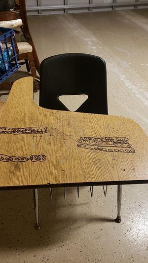 Children's desk for Sale in Frostproof, FL