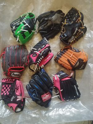 Kid's baseball gloves. New for Sale in Houston, TX
