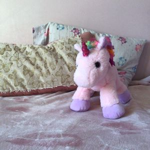 Unicorn Plushy for Sale in Carol Stream, IL