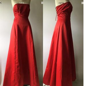Red prom sleeve less dress for Sale in Houston, TX