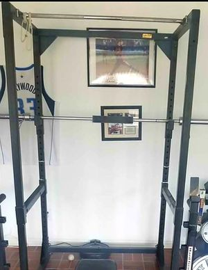 SQUAT RACK CAGE WITH PULL UP BAR , OLYMPIC WEIGHT BAR NOT INCLUDED for Sale in Saginaw, TX