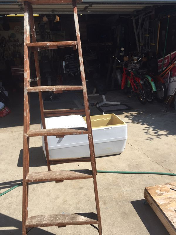 Large cooler and wood ladder, for the outrages price of free🤘