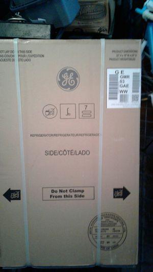 Brand new mini fridge never open white for Sale in Coral Springs, FL