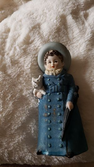 LEFTON WOMAN FIGURINE WITH DOG VINTAGE for Sale in Bowling Green, MO