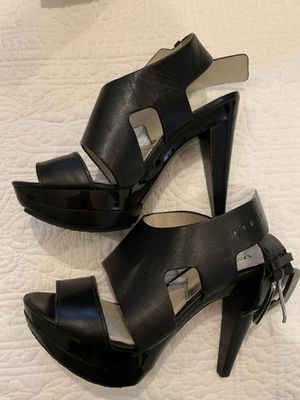 Heels size 4 Michael kor for Sale in Miami, FL