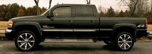 beautiful 2004 GMC Sierra in perfect condition for Sale in New York, NY