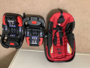 Britain B-Safe 35 Infant car seat with 2 bases for Sale in Tracy, CA