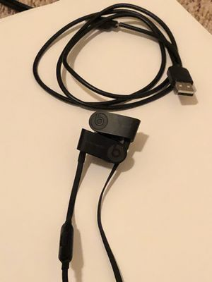 Power Beats 3 by Dre Wireless in-Ear Headphone cut Ear Hook for Sale in Clovis, CA