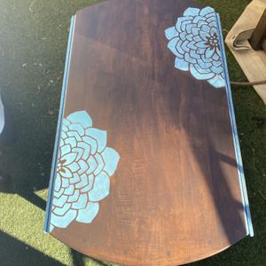 Drop-Leaf Coffee Table for Sale in Simi Valley, CA