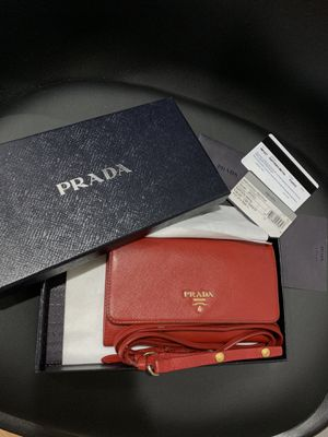 Authentic Prada Portafoglio Tracolla for Sale in Garden Grove, CA