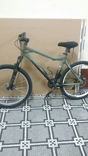 39 cm Giant off road bike for Sale in Brooklyn, NY