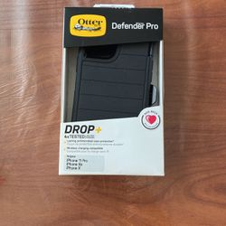 Otter Box Case iPhone 11 Pro, Xs, qnd X. Defender Pro for Sale in Chicago,  IL