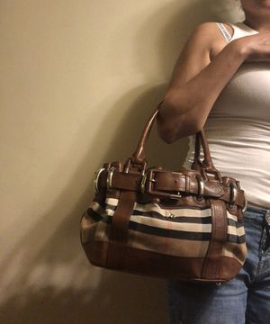 Burberry bag Authentic 100% for Sale in San Diego, CA