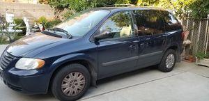 Tonw and Country Mini Van 2006 for Sale in Pasadena, CA