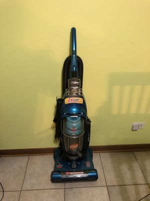 Vacuum bissell power groom like new no damage and clean no pet for Sale in Bloomingdale, IL