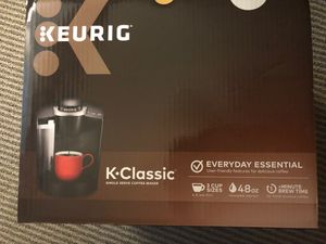 Keurig coffee maker for Sale in Canal Winchester, OH