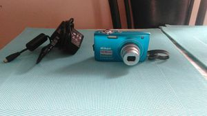 Nikon Coolpix S3000 like New for Sale in Queens, NY