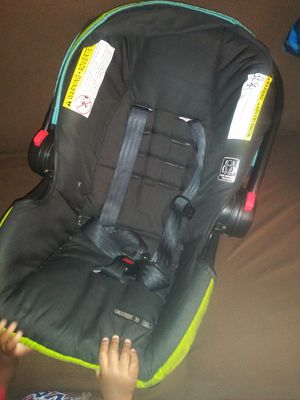 Car seat with Base for Sale in Gainesville, FL