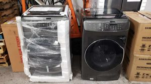 Samsung 7.5 Total cu. ft. Electric FlexDry Dryer with Steam in Black Stainless for Sale in Long Beach, CA