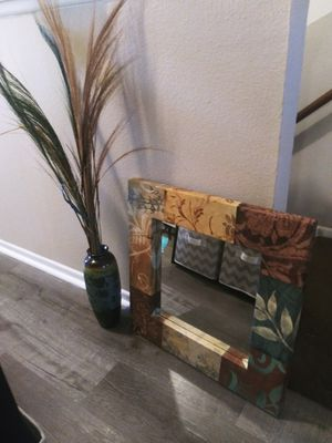Decorative Mirror & vase for Sale in Paramount, CA
