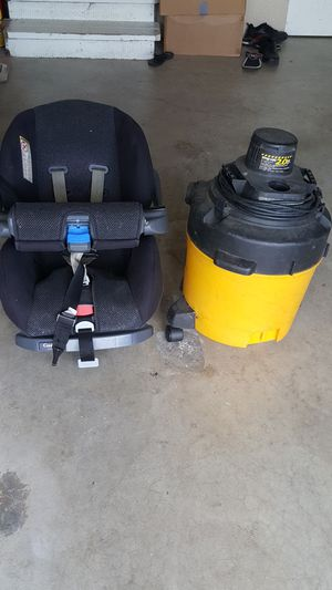 Car seat and Shop Vacuum for Sale in Puyallup, WA