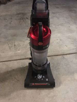 Hoover Vacuum . Windtunnel with rewind cord. for Sale in Mundelein, IL