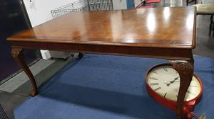Solid wood dinning table for Sale in Fort Lauderdale, FL