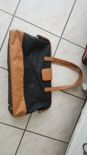 LEATHER WEEKEND TRAVEL BAG for Sale in Los Angeles, CA