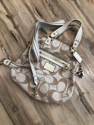 Coach beige bag with gold accents for Sale in Hacienda Heights, CA