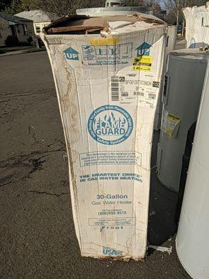 American proline 30gas water heater for Sale in Portland, OR