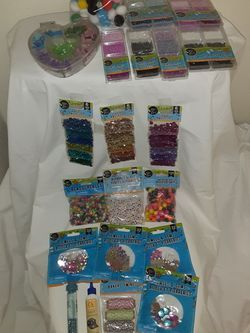 21 PIECE ALL BRAND NEW BEADING AND CRAFT STARTER SET GREAT FOR HOURS OF FUN AND CREATIVITY!! for Sale in Lynnwood,  WA