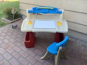 Small child's desk - Step 2 for Sale in Covina, CA