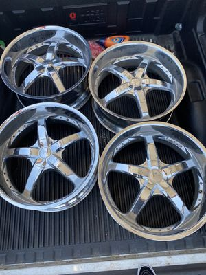24's rims only for Sale in Grand Prairie, TX