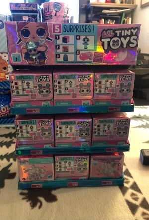 Asking $65 Allful display With LOL dolls tiny toys asking $65 for Sale in Albuquerque, NM