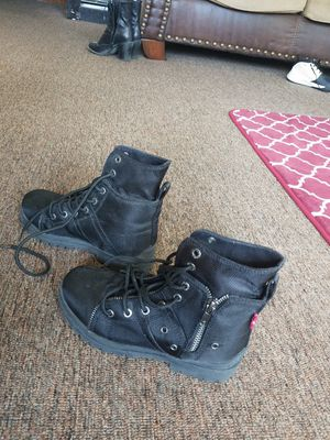 Boots Levi's. zide 2m (20dls -- Rute66 zide 5m (10dls)-- Aqua side 3-4(5dls) for Sale in Chicago, IL