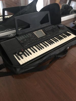 Yamaha Keyboard with carrying case for Sale in Scottsdale, AZ