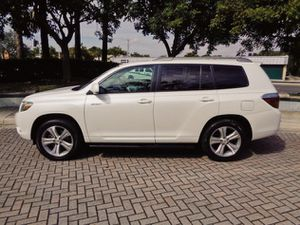 fWd2OO8/ToyotaHighlander/white for Sale in Chicago, IL