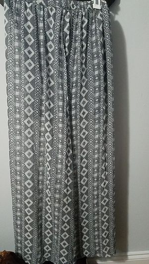 Cute Maxi Skirt (M) for Sale in Baltimore, MD