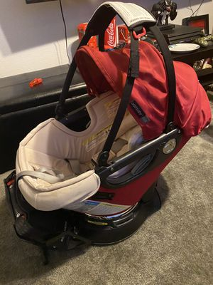 Orbit baby car seat and base for Sale in Inglewood, CA