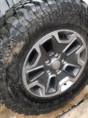 Jeep jk rubicon spare wheel and tire for Sale in Tampa, FL