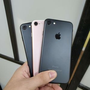 IPHONE 7 32GB FOR TMOBILE AND METRO OR AT&T AND CRICKET for Sale in Garland, TX