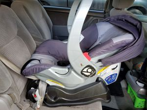 Baby trend car Seat & stroller for Sale in Tampa, FL
