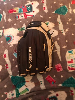 MIZUNO GLOVE LEFT HAND for Sale in Dallas, TX