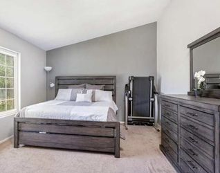 Bedroom Furniture Set for Sale in Chula Vista,  CA