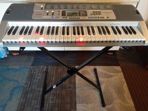 Piano casio LK100 con luz en el teclado está en buenas condiciones serios compradores por favor for Sale in UNIVERSITY PA, MD