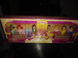 Disney princess pez collectors set for Sale in Middletown, OH